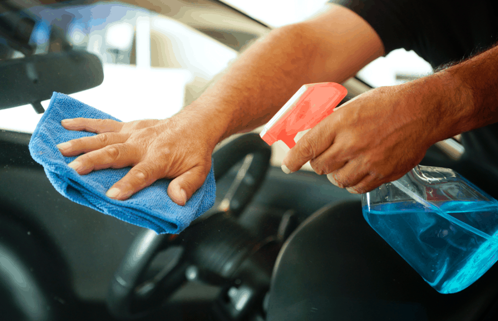 Process of Cleaning Car Windshield with Vinegar