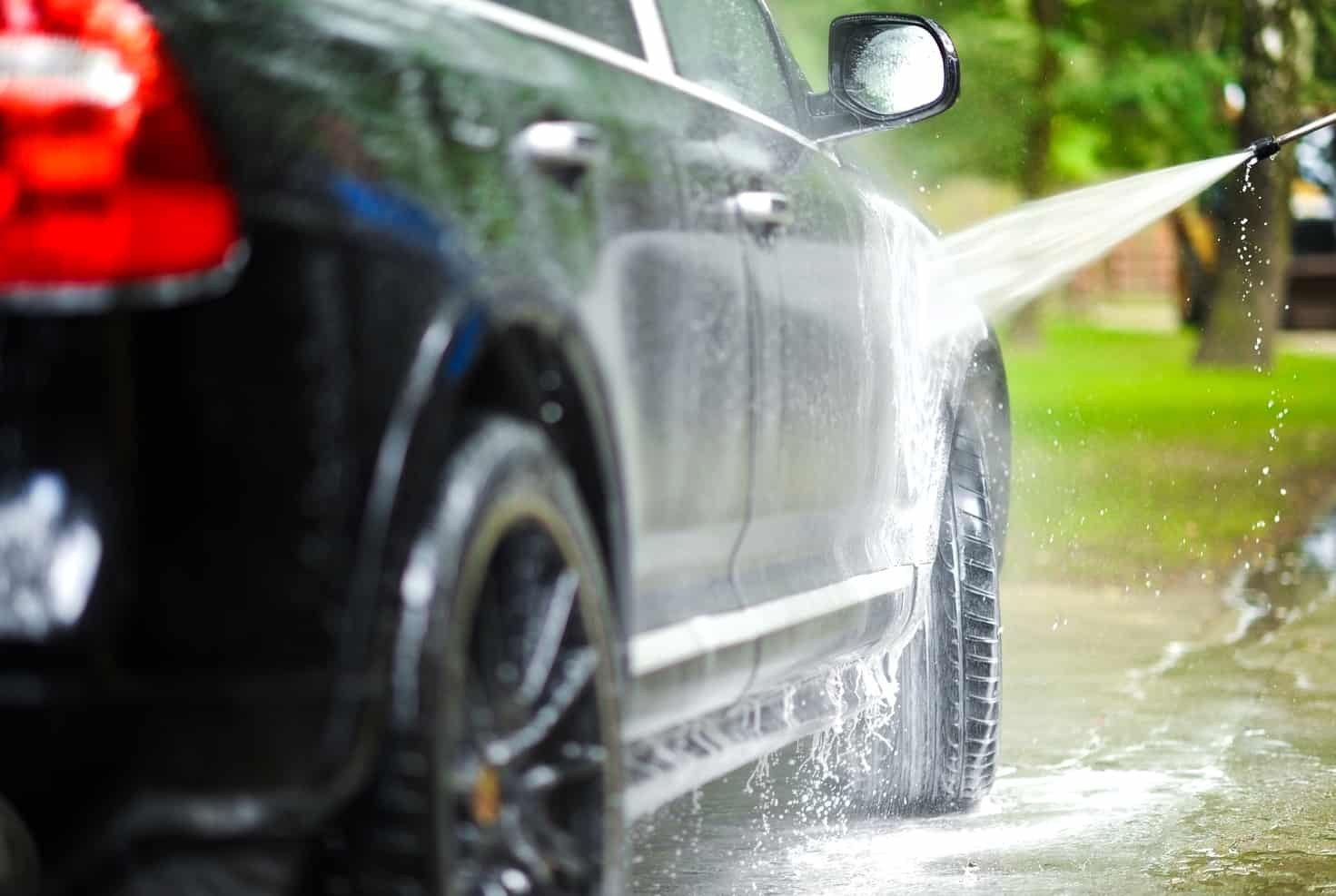 Wash a Car Without Scratching the Paint