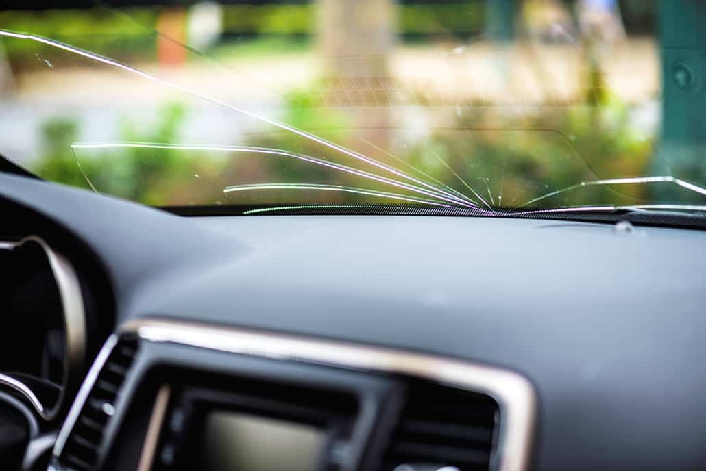 5 Things to Do After Your Windshield is Damaged