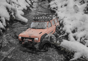 Read more about the article 12 Best Portable Winch for Off-Roading Adventures [2021]
