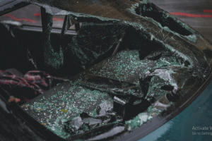 Read more about the article 5 Car Accident Scenarios That Require A Criminal Lawyer