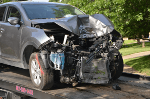 Read more about the article 10 Factors to Consider When Choosing a Collision Repair Shop